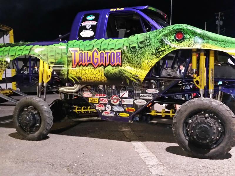 De Speedwaybaan van monstervrachtwagens royalty-vrije stock foto's