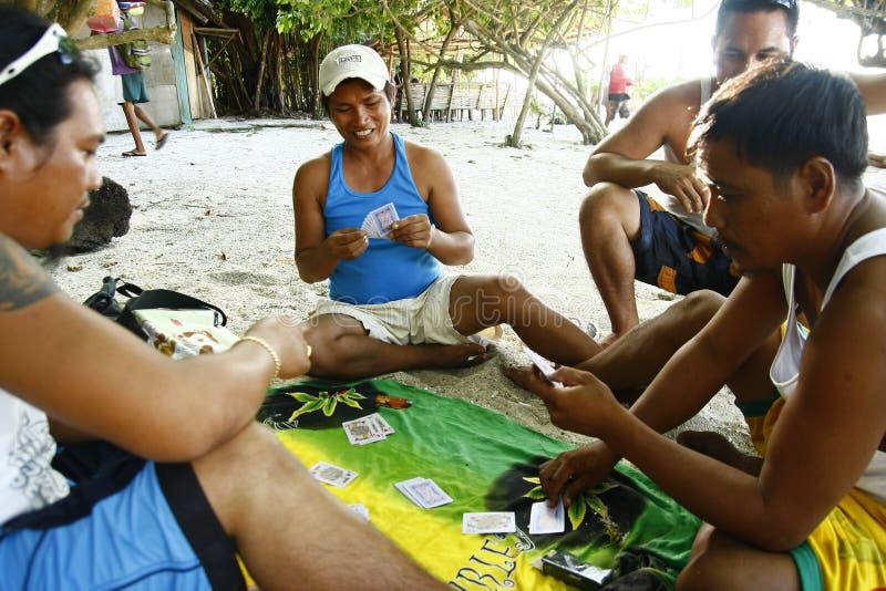 De Speelkaarten van Locals van het Strand van Boracay royalty-vrije stock fotografie