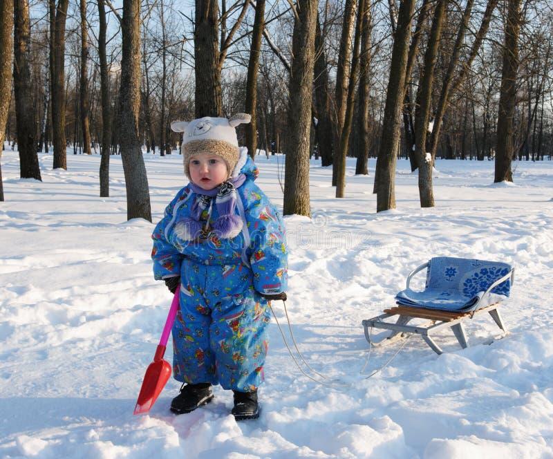 De spelenkinderen van de winter stock fotografie