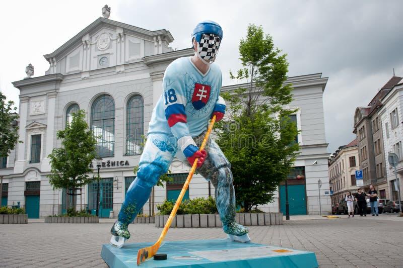 De spelers van het hockey in de straten van Bratislava royalty-vrije stock fotografie