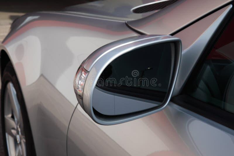 De spiegel van de auto royalty-vrije stock afbeeldingen