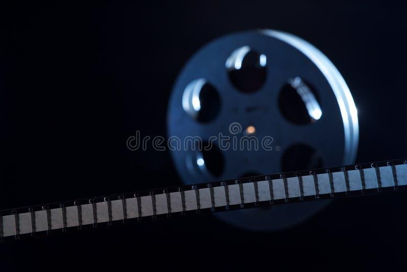De spoel van de filmfilm op dark royalty-vrije stock foto