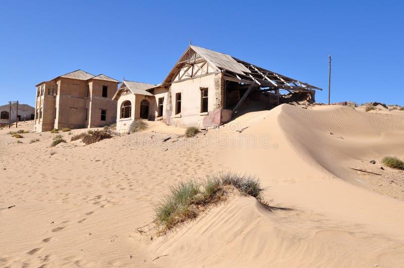 De spookstad van Kolmanskop in Namibië stock foto's