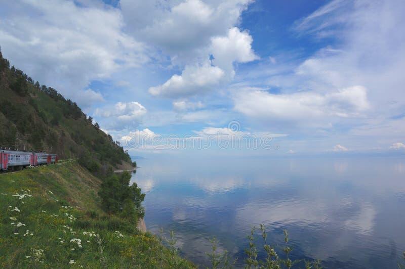 De Spoorweg Baikal van Circumbaikal royalty-vrije stock afbeelding