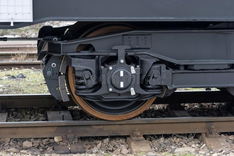De spoorweg rijdt wagen De trein van de vrachtlading Nieuwe 6 axled vlakke wagen, Type: Sahmmn, Modelww 604 A, Transvagon-ADVERTE stock fotografie
