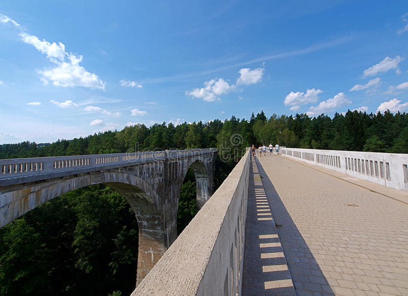 De spoorweg van Stanczykiaquaducten royalty-vrije stock foto