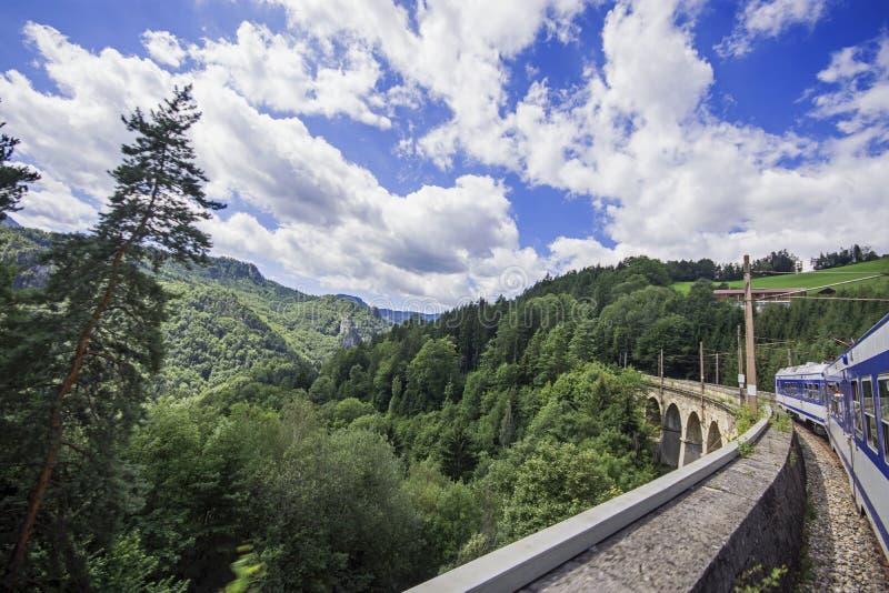 De spoorweg van de de Werelderfenis van Semmeringsunesco in Oostenrijk stock fotografie