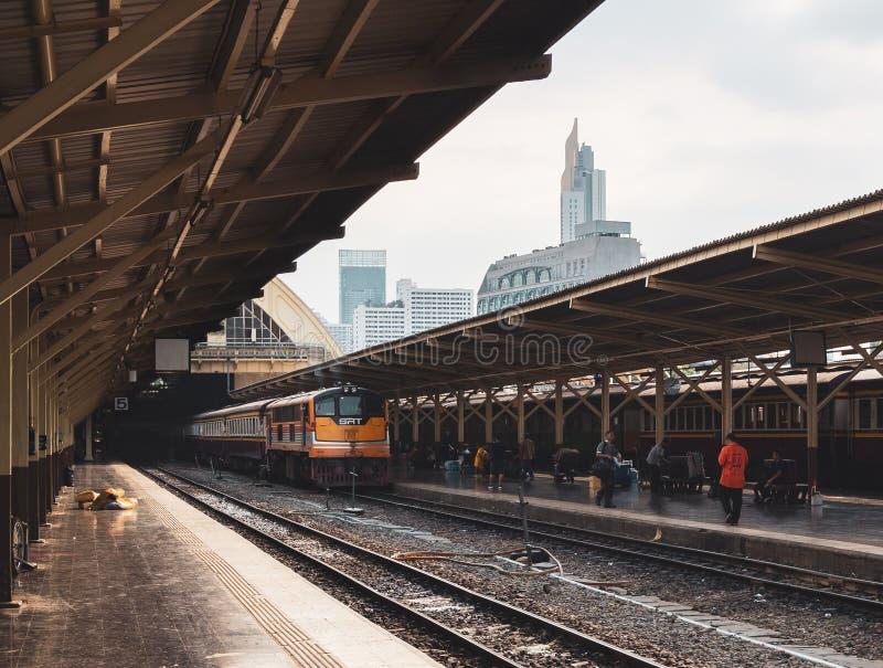 De spoorwegstation Hua Lamphong van Bangkok stock afbeeldingen