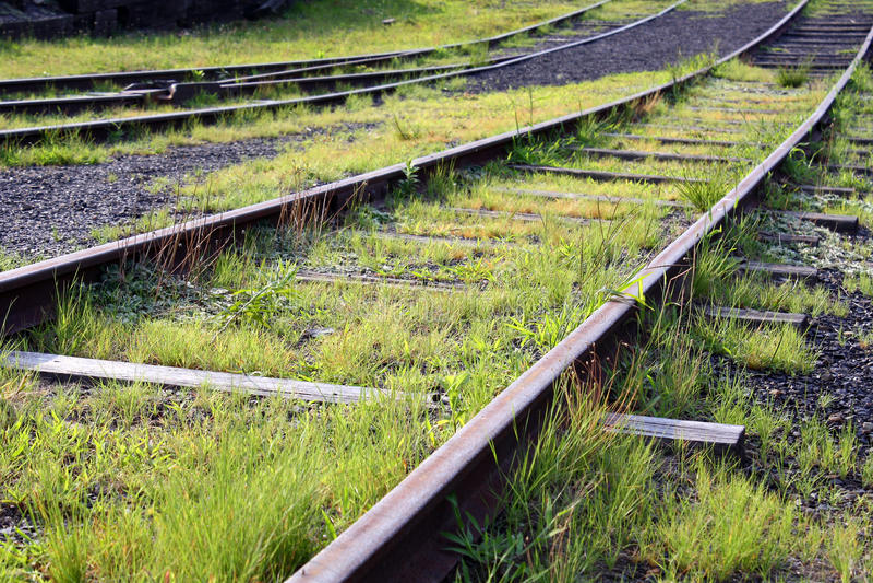 Download De sporen van de spoorweg stock foto. Afbeelding bestaande uit ijzer - 10780966