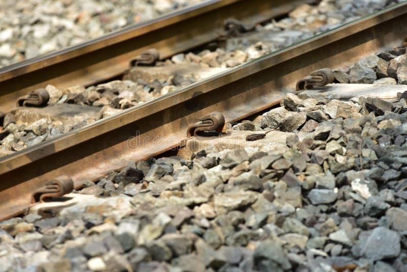 De sporenclose-up van de treinspoorweg De lengte van het spoorwegspoor Spoorweg Trein royalty-vrije stock afbeelding