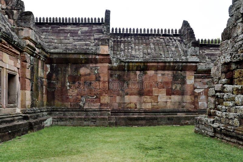 De Sportkasteel van Khaophanom, de oudste plaats in geschiedenis in Buriram, Thailand stock foto's