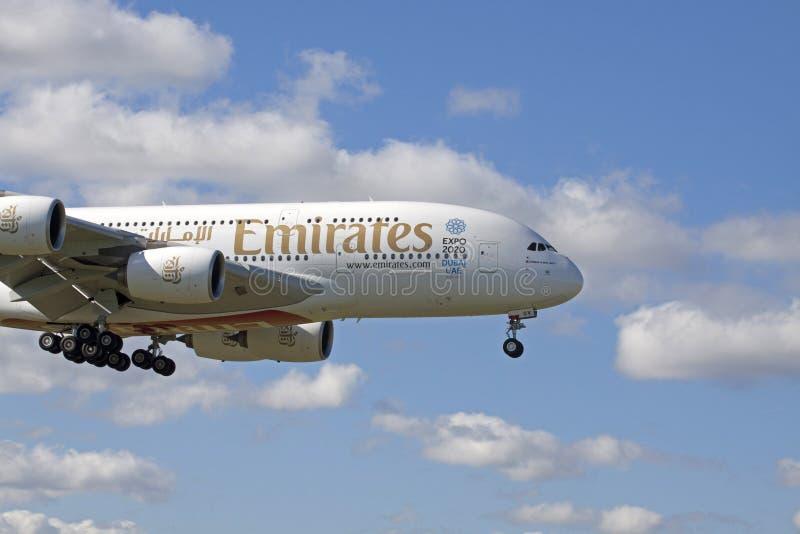 De största kommersiella emiraterna för flygbuss A380 för ariplane i detta tillfälle royaltyfri foto