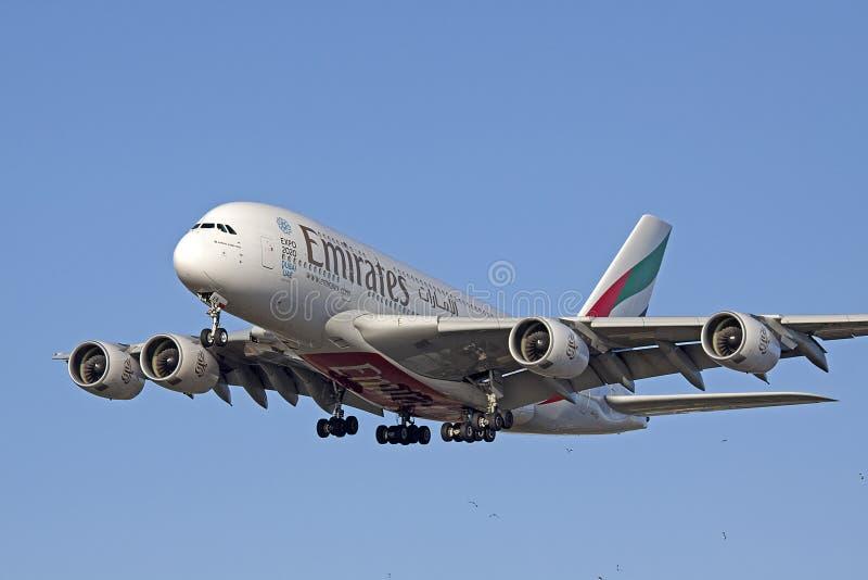 De största kommersiella emiraterna för flygbuss A380 för ariplane i detta tillfälle royaltyfria foton