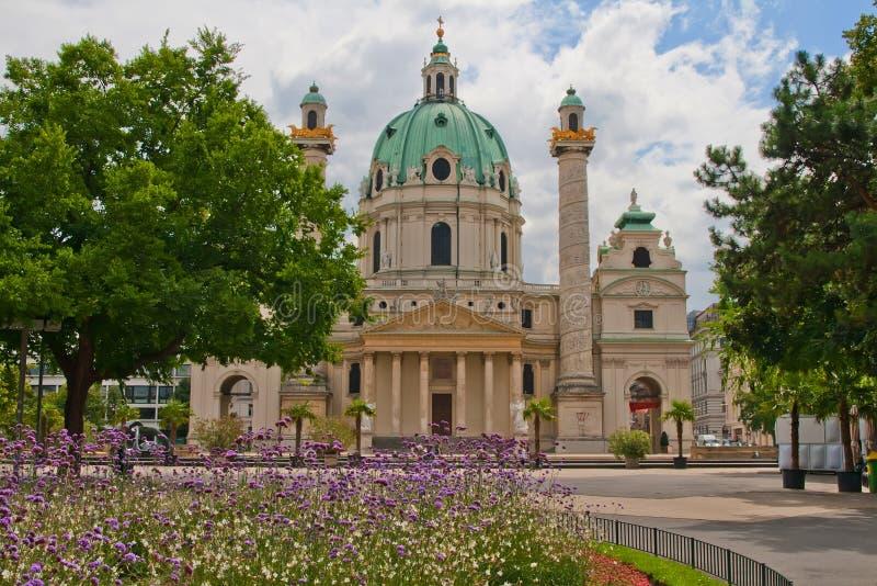 De St. Charles Kerk (Wenen, Oostenrijk) royalty-vrije stock afbeelding