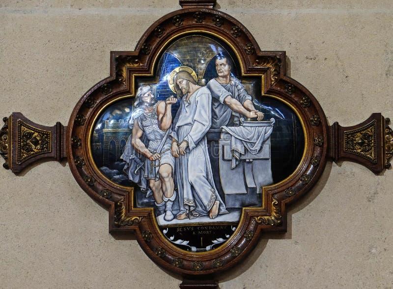 de 1st Posten van het Kruis, Jesus wordt veroordeeld aan dood royalty-vrije stock foto