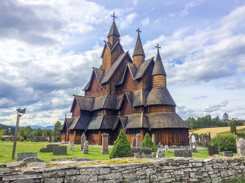 De staafkerk van Heddal stock foto's