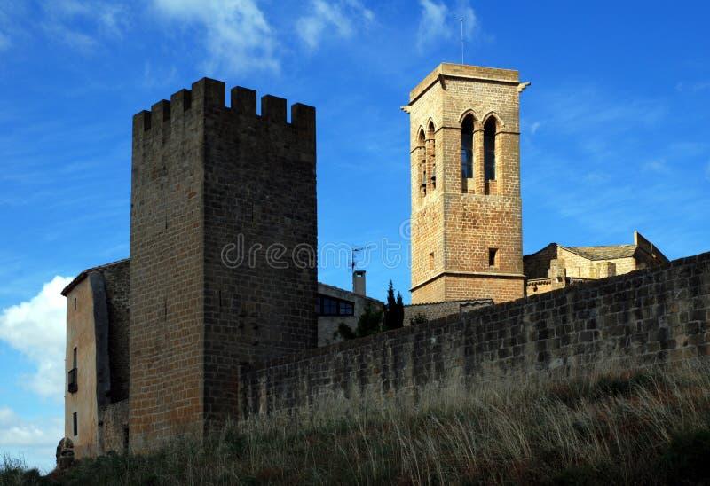 De stad Artajona van het vestingwerk royalty-vrije stock foto's