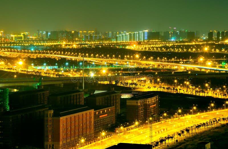 De stad bij nacht royalty-vrije stock afbeelding