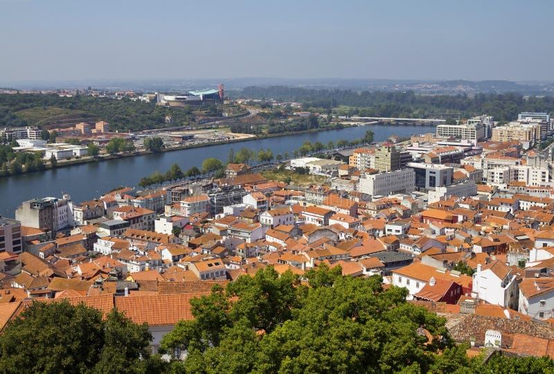De stad en rivier Mondego van Coimbra stock fotografie