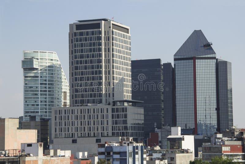 De stad in in de gebouwen van Mexico-City stock afbeeldingen