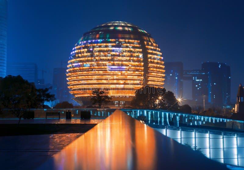 De stad Hangzhou van China stock afbeeldingen
