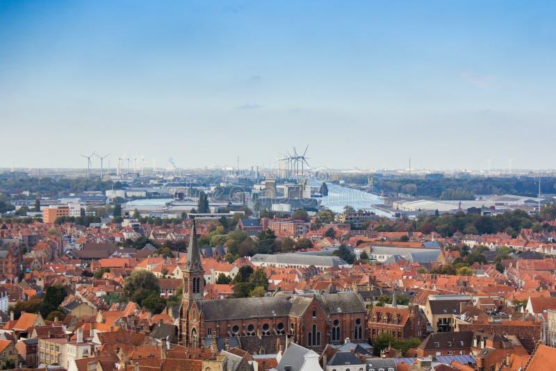 De stad van Brugge hierboven wordt gezien die van royalty-vrije stock foto