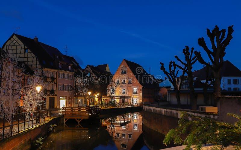 De stad van Colmar is verfraaid voor Kerstmis, de Elzas, Frankrijk stock foto