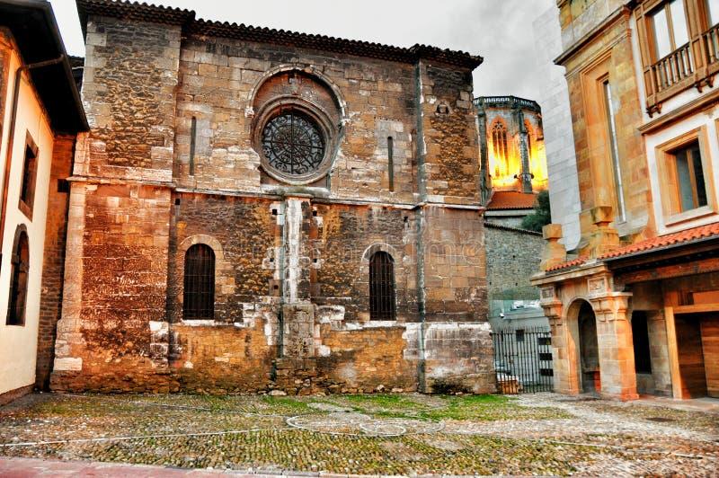 De stad van de architectuuravond van Oviedo royalty-vrije stock fotografie