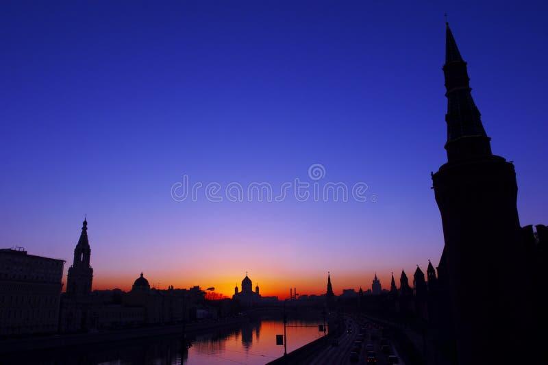De stad van de avond royalty-vrije stock fotografie