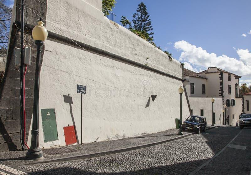De stad van Funchal - straten van het kapitaal stock afbeelding