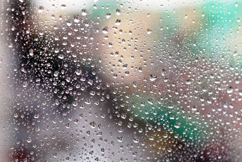 Download De stad van glasdalingen stock foto. Afbeelding bestaande uit vuil - 107706920