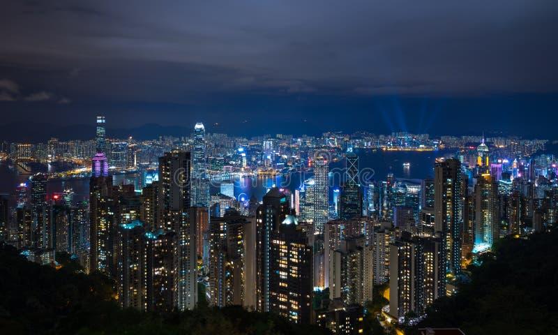 De Stad van Hongkong bij nacht stock foto