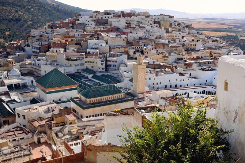 De stad van Idriss van Moulay dichtbij Volubilis - Marokko stock afbeelding