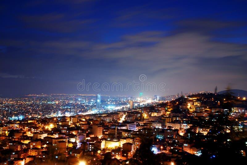 De Stad van Istanboel bij Nacht royalty-vrije stock afbeeldingen