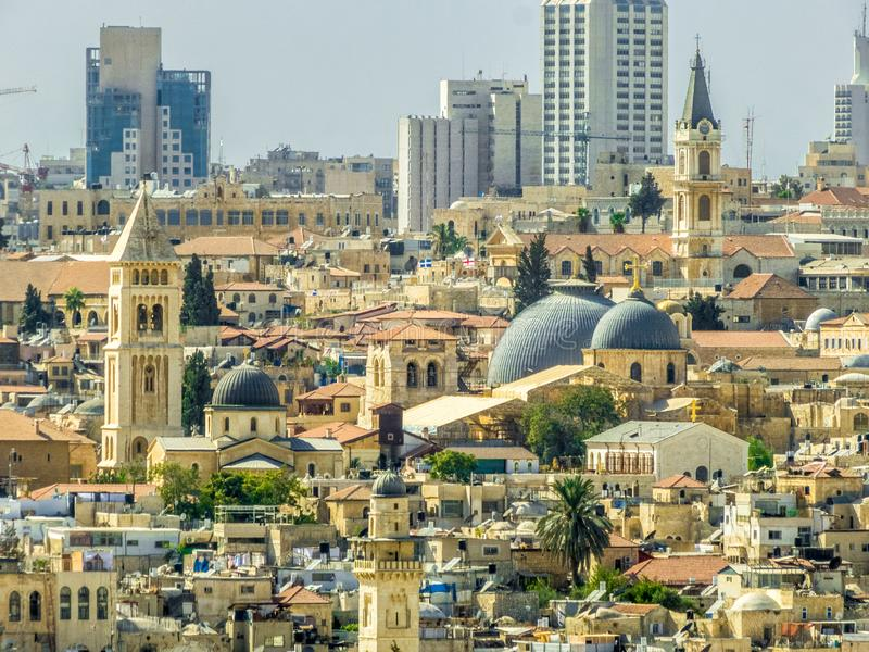 De stad van Jeruzalem Israël scape met moskee stock afbeelding