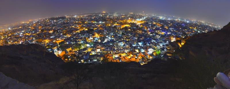 De stad van Jodhpur bij nacht royalty-vrije stock afbeelding