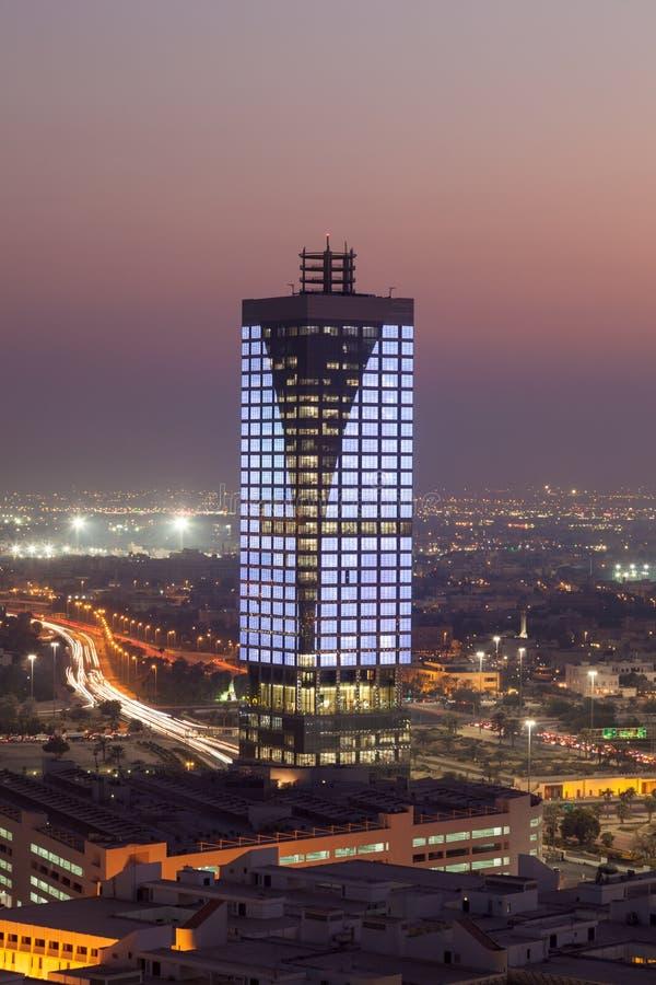 De Stad van Koeweit bij nacht, Midden-Oosten royalty-vrije stock foto's