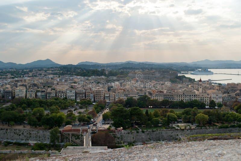 De stad van Korfu stock afbeeldingen