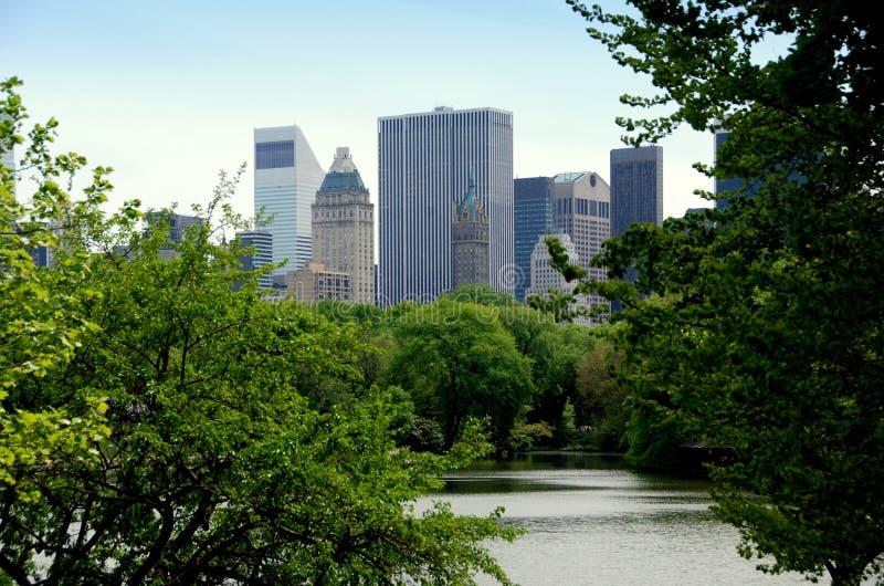 De Stad van New York: Central Park en Uit het stadscentrum Horizon stock foto's