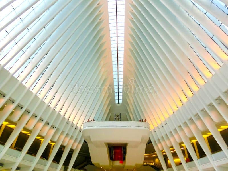 De Stad van New York, de Verenigde Staten van Amerika - Mei 01, 2016: Oculus in de Hub van het World Trade Centervervoer stock foto