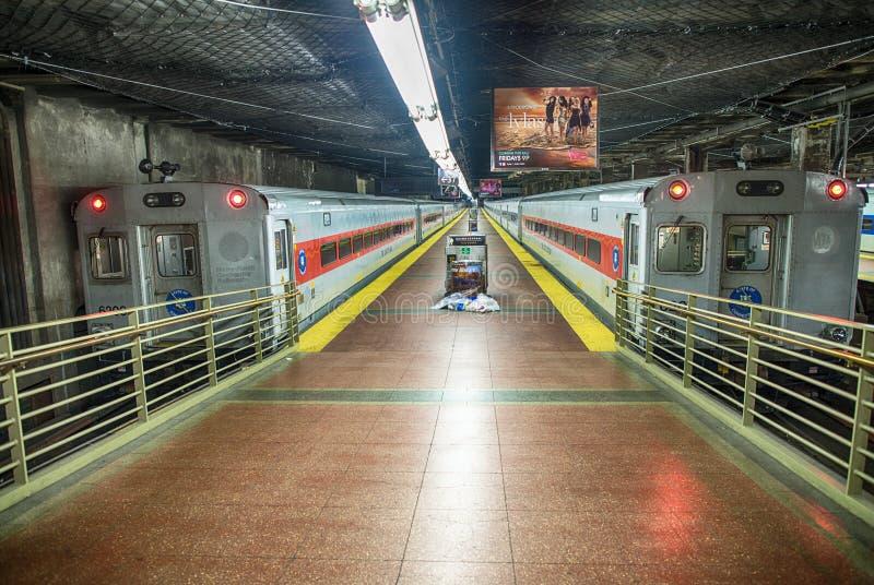 DE STAD VAN NEW YORK - JUN 10: Grote Centrale Postsporen op 10 Juni, stock foto's