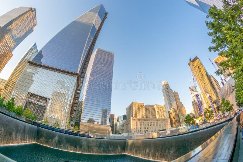 DE STAD VAN NEW YORK - 23 MEI: 9/11 Gedenkteken van NYC bij Wereldhandel Cente stock fotografie