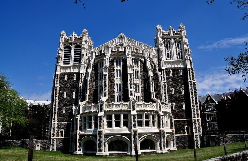 De Stad van New York: Shepard Hall bij Stadsuniversiteit royalty-vrije stock fotografie