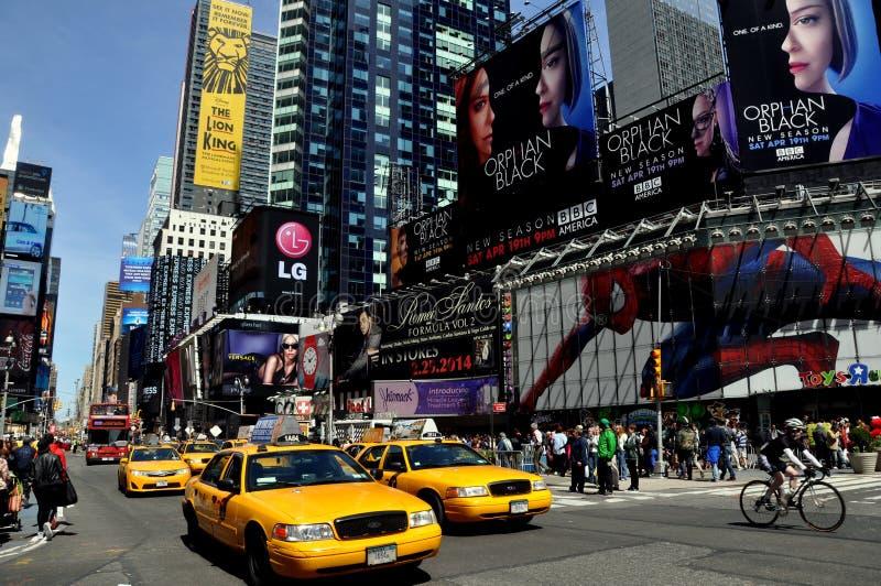 De Stad van New York: Taxis in Times Square royalty-vrije stock afbeelding