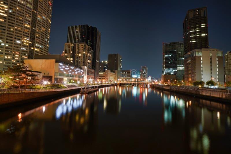 De stad van Osaka bij nacht royalty-vrije stock foto's