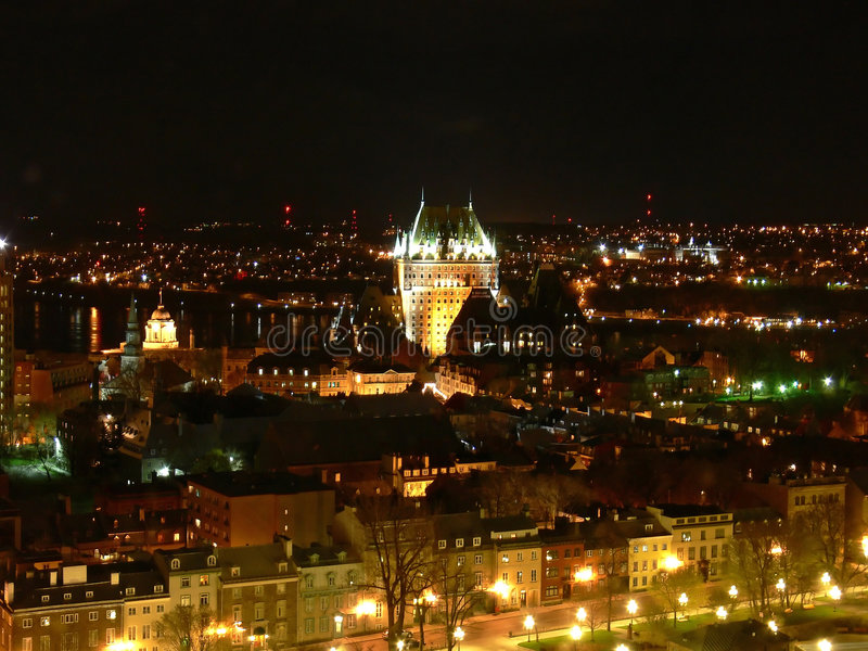 De Stad van Quebec bij Nacht stock fotografie