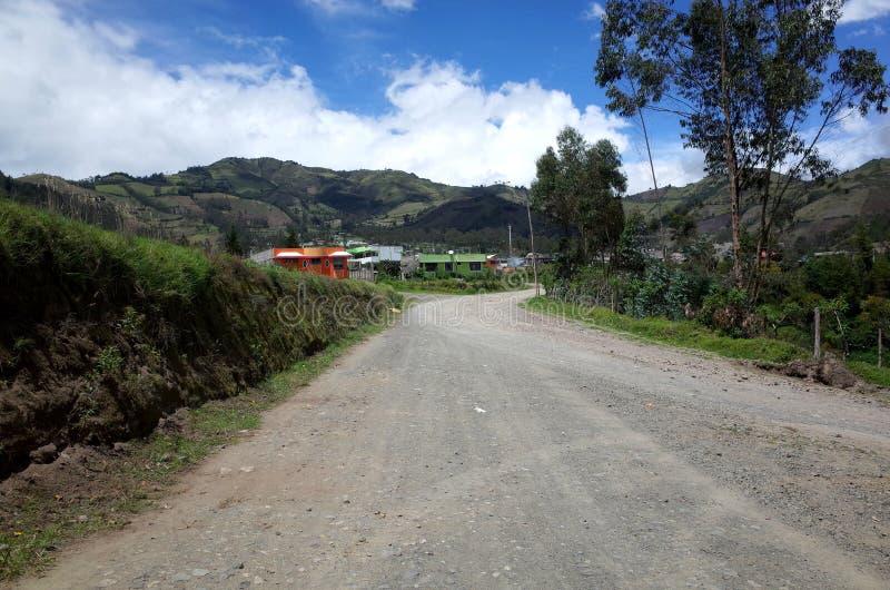 De stad van Sigchos die door op de Quilotoa-Lijn wordt overgegaan royalty-vrije stock foto