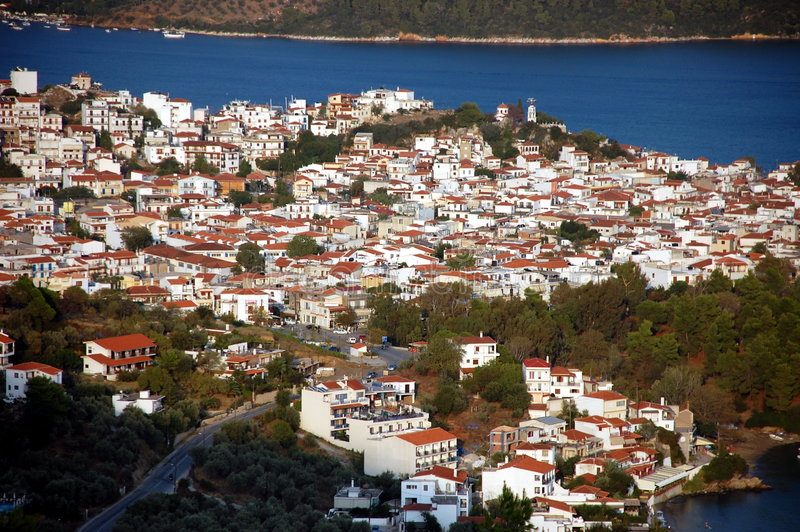 De stad van Skiathos stock afbeeldingen