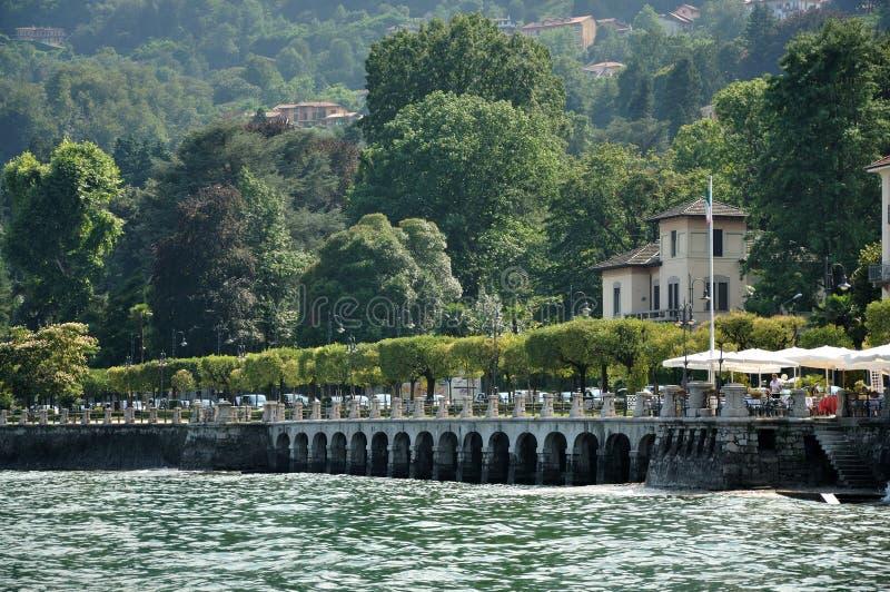 De stad van Stresa op meer Maggiore stock afbeeldingen