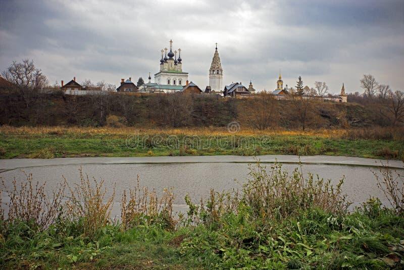 De stad van Suzdal in Oktober royalty-vrije stock afbeelding